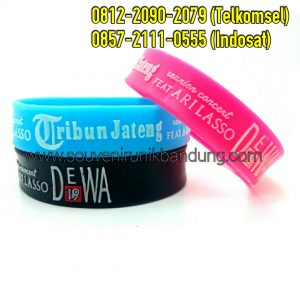jual-gelang-karet-glow-in-the-dark-01